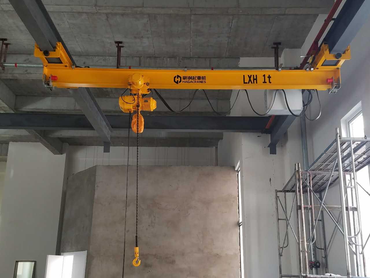 豪钢起重机与栋霖电气合作共赢 为量身定做1t悬挂起重机