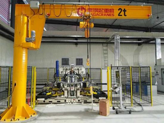 豪钢起重机为上海宝敏科提供2t悬臂吊一台