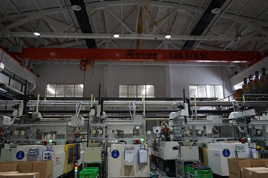 豪钢起重机为上海依工提供单梁起重机一台
