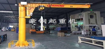 苏州市艾西依钣金订购的1t悬臂吊
