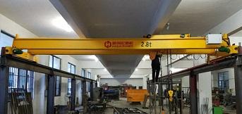 杭州宇龙电动车订购2.8吨桥式双梁起重机