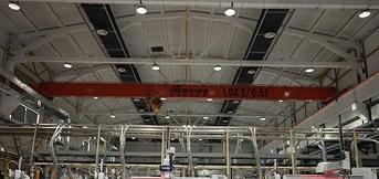上海依工订购3吨电动单梁桥式起重机安装完成