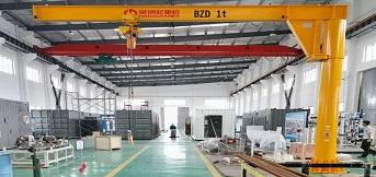 上海川易设备工程公司定制豪钢两台电动旋臂吊