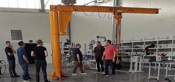 豪钢为博洛科电气公司定制三台bz悬臂起重机