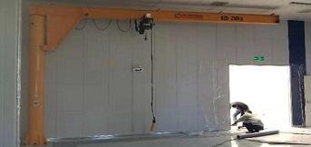 豪钢为日资企业京滨电子制作250kg电动双速悬臂起重机