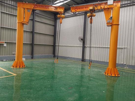 豪钢为中船重工704研究所定制2吨悬臂吊安装完毕
